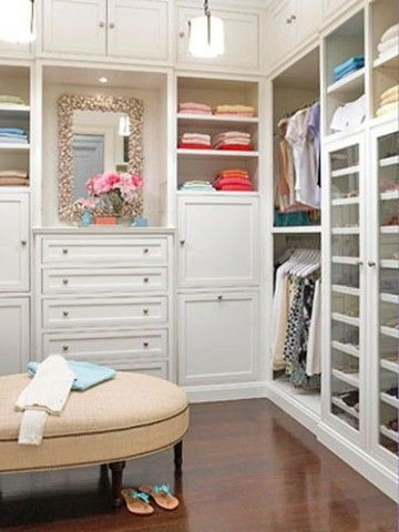 Plenty of drawers and shelving.