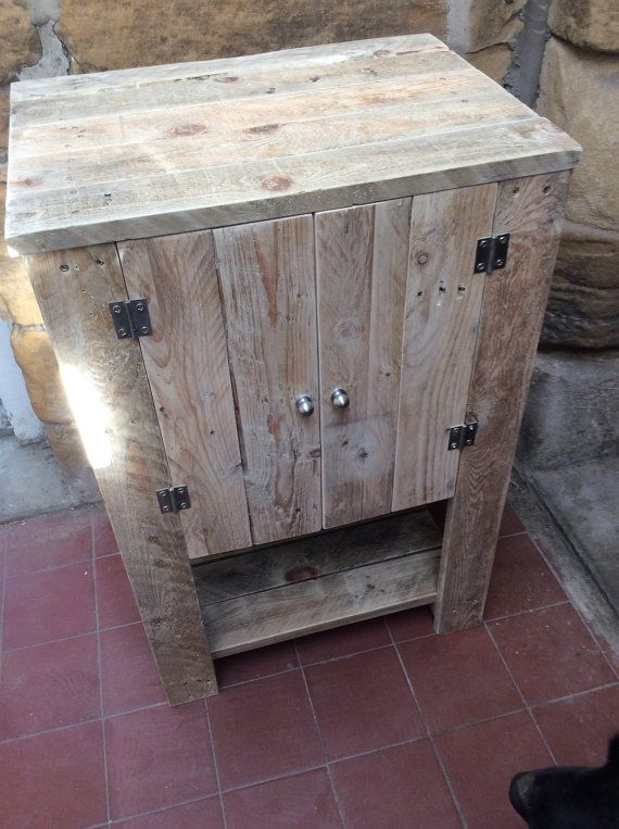 17 best images about pallet ideas on pinterest pallet for Bathroom ideas made from pallets