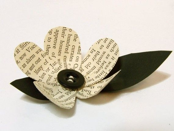 1 Vintage Book Flower Boutonniere Idea Wedding par theepapergirl, $8.50