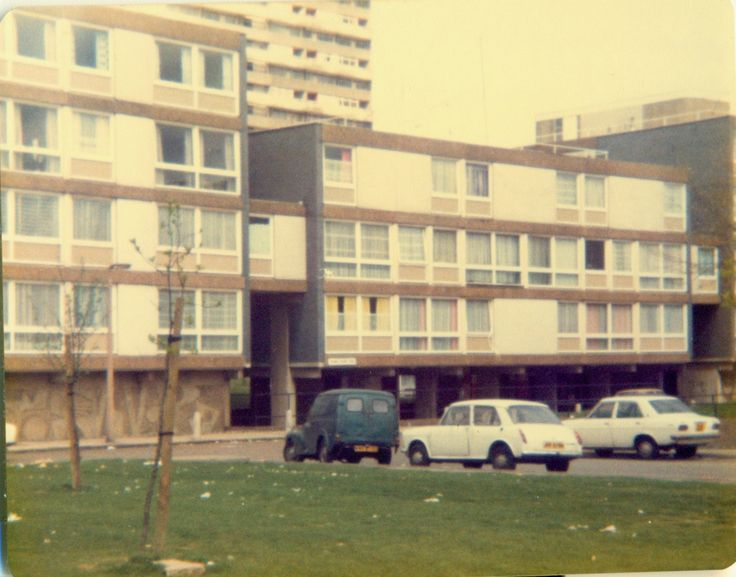 1979 Housing Estate, Mitcham. The white stuff on the grass is litter not snow...