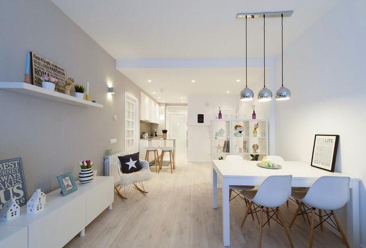 Un apartamento con poco espacio en el que se ha elegido la distribución perfecta y colores muy elegantes.