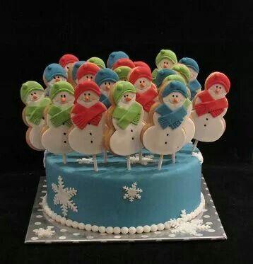 Sneeuwpop koekjes...gedecoreerd met fondant.