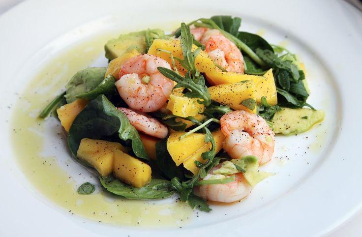 Салат с креветками, авокадо и манго. Медово-лаймовый соус.: iren_mel