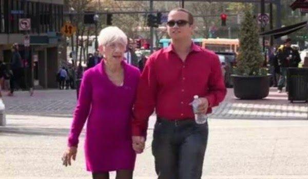 Hombre de 31 años tiene una relación con una bisabuela