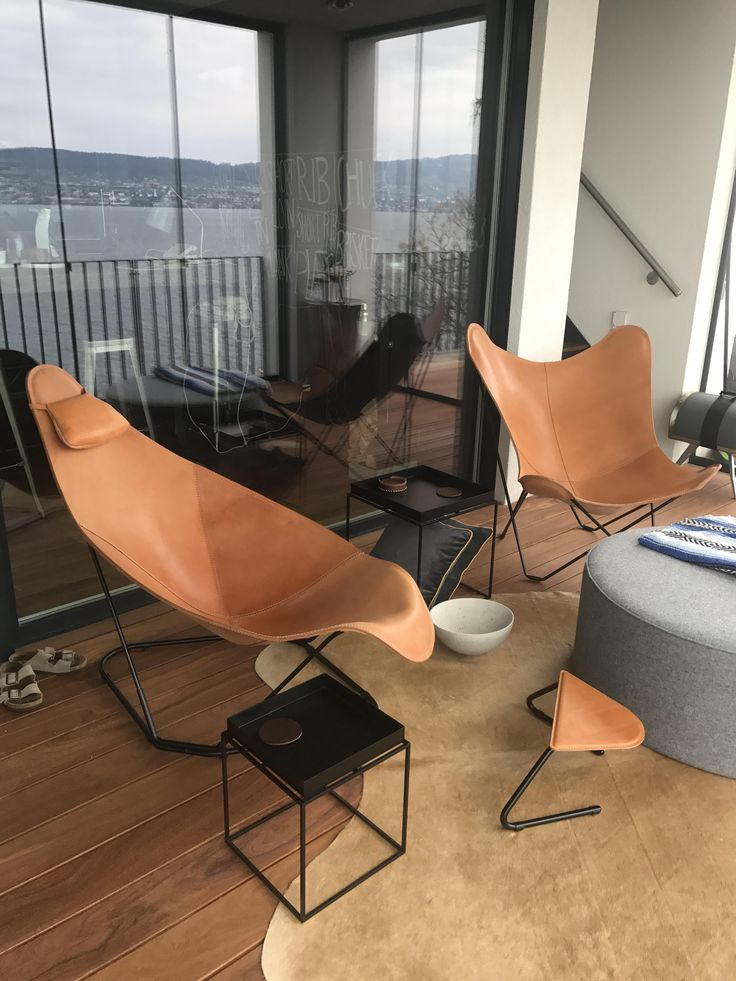 Now that he's got the Butterfly Chair and the Abrazo chair, all that's left to do is decide who gets the matching footrest!  Love the added design feature of a rug on the balcony.   Thanks for the pic, Dominic!