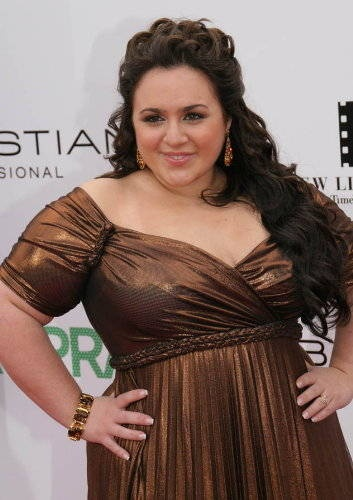 Nikki Blonsky -- Widening the Face