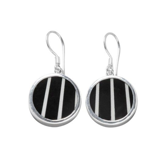 Pinstripe earrings - Geometric - TEMA #sägen #earrings #porcelain #jewellery #jewelry #geometric #nordicdesign #nordicdesigncollective #nordic #scandinavian #designers