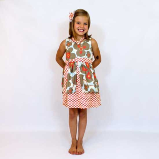 Girl Dress Pattern - MammaCanDoIt - Sewing Pattern - 1. Using Amy Butler's Lotus collection fabric (Morning Glory Linen and Full Moon Polka Dot Cherry).
