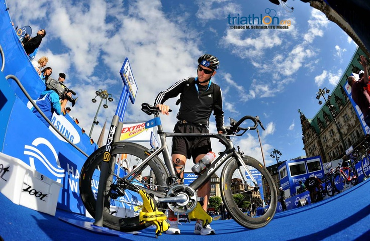 Erin Densham superb to take second ITU World Triathlon Series win in Hamburg | Triathlon.org - International Triathlon Union