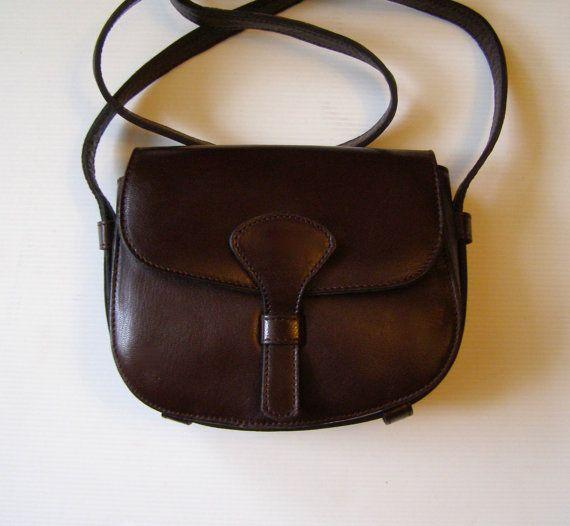 Sac besace en cuir marron / Sacoche vintage 70's/ petit sac besace année 1970 / hippie / boho / french vintage / old bag / Old 70's Hobo bag