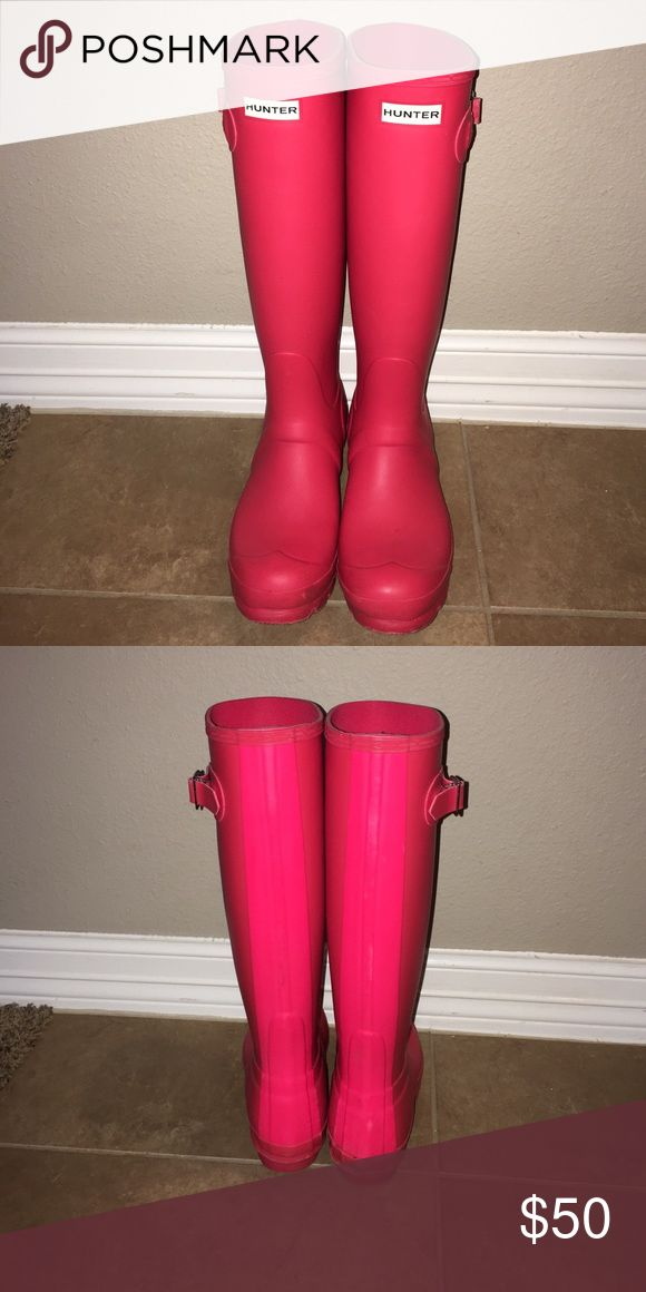 Hot pink Hunter Rain boots Worn a couple times, I have no use for them -- US 6, EU 37 Shoes Winter & Rain Boots