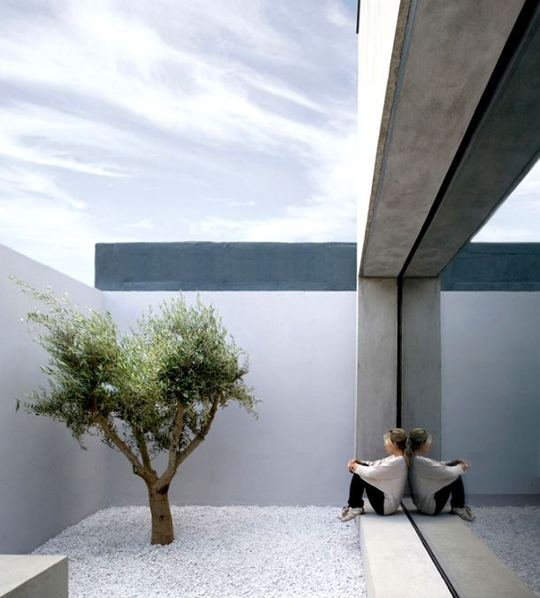 25 best ideas about minimalist garden on pinterest simple garden designs japenese garden and - Gardening for small spaces minimalist ...