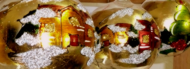 Christmas ornaments Christmas balls : hand painted, colours and gold