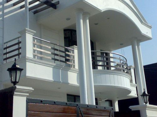 Balcony Grill Design on diy modern house front elevation 2