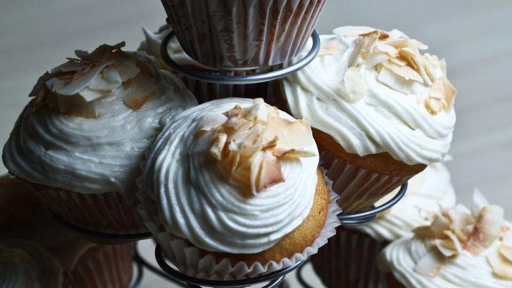 Une recette de petits gâteaux à la noix de coco présentée sur Zeste et Zeste.tv