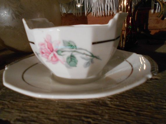 French Sauce Boat With Attached Plate by JanniesJunkandJems