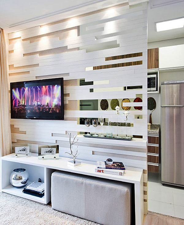 Apostar em peças que cumprem mais de um papel em casa pode ser uma ótima saída para quem não tem muito espaço. Os pufes são a maior prova disso! Além de úteis, eles podem ser usados em qualquer cômodo, deixando os ambientes mais charmosos.