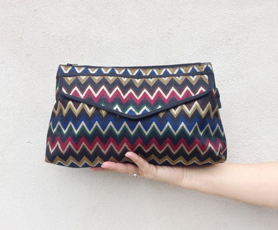 original MISSONI pochette / Vintage envelope handbag / italian designer purse / chevron gold blue bag €70.00 EUR