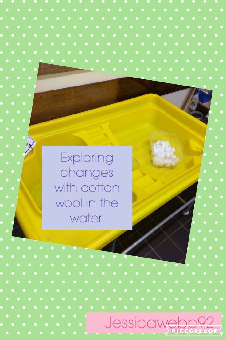 Exploring changes with cotton wool in the water tray. EYFS