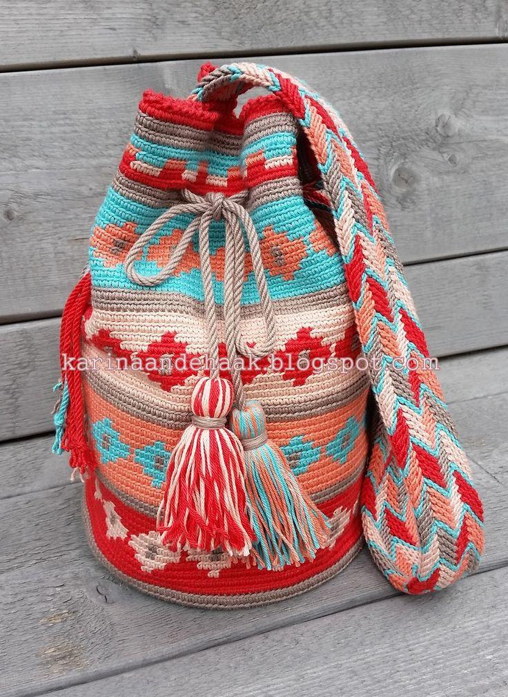 Ja hoor! Nog een Mochila!     MOCHILA GUIRLANDE         Deze tas is voor één van onze dochters.   Zij koos zelf de kleuren uit.   Van Phil ...