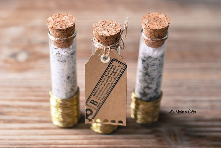 Mariage petit budget : DIY éprouvettes de sel au romarin pour vos invités, gift wedding mariage cadeau invités, cadeau invité mariage, cadea...