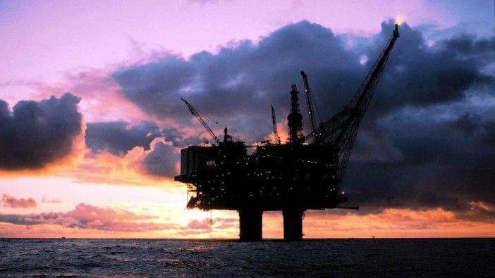 Pela primeira vez desde 2015, preço do barril de petróleo brent mantém-se acima dos 60 dólares  https://angorussia.com/economia/negocios/pela-primeira-vez-desde-2015-preco-do-barril-petroleo-brent-mantem-dos-60-dolares/