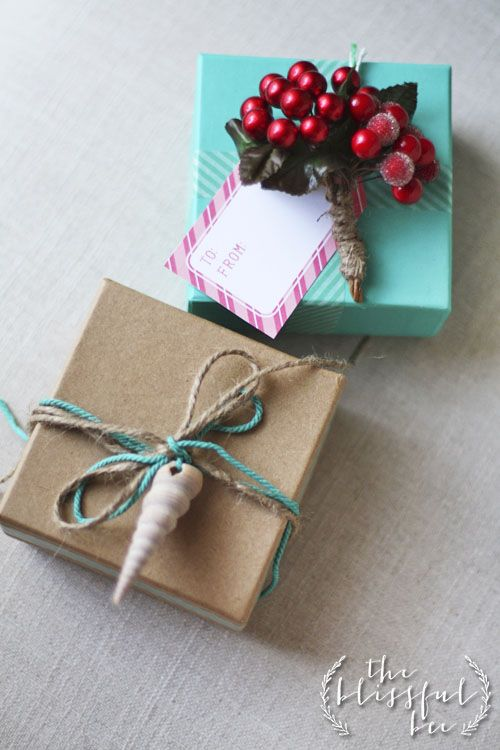 Nature Inspired Gift Wrap from The Blissful Bee  -- Plus 4 other unique gift wrapping tutorials
