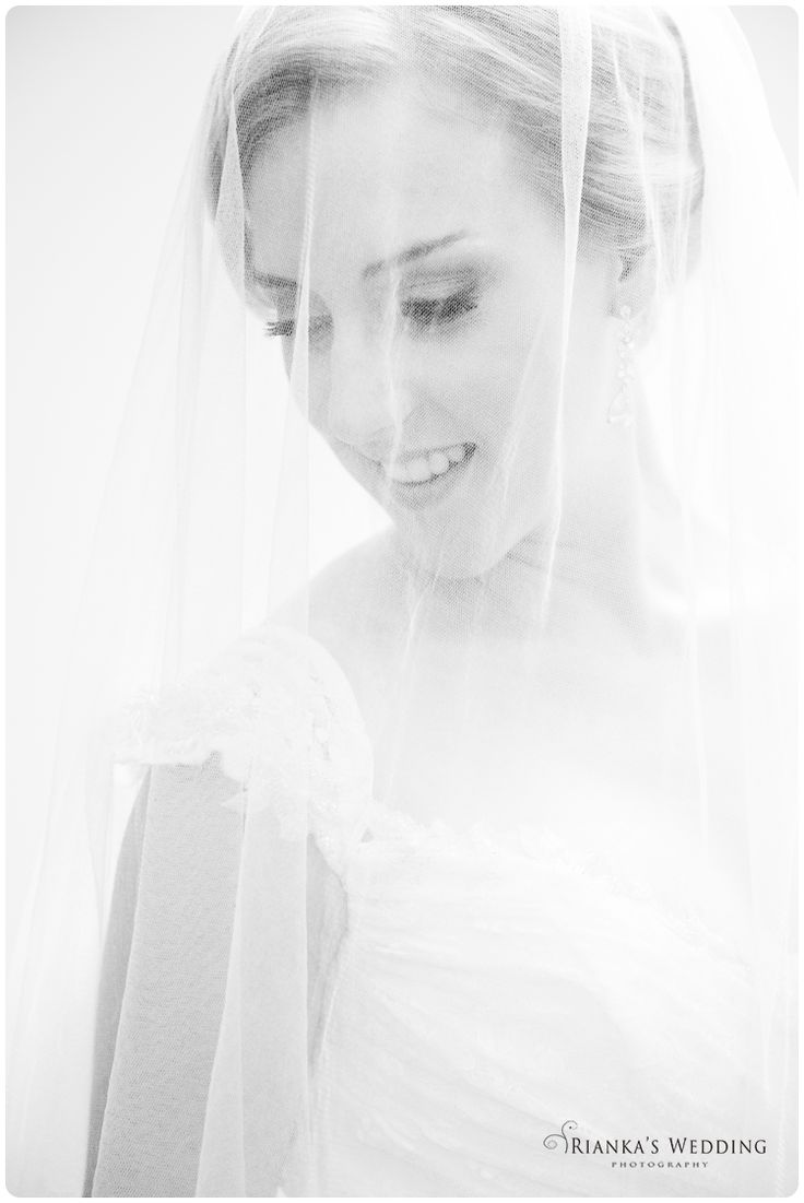 vintage bride wedding | Rianka's Wedding Photography