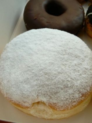 Copycat Recipes: Dunkin Doughnuts Vanilla Filled Doughnuts