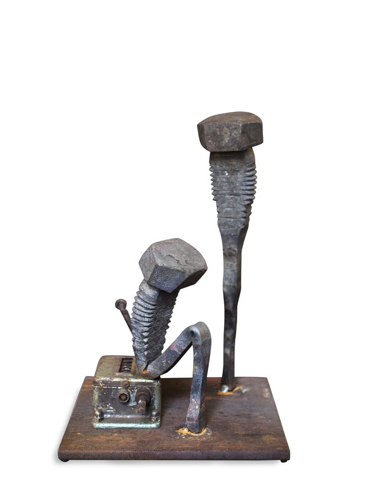 Tobbe Malm artist blacksmith from Norway. Art, handicrafts and traditional blacksmithing. Malm work modern and takes metal work with into new contexts @portfoliobox