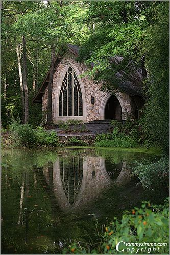 Ida Cason Memorial Chapel, Callaway Gardens in Pine Mountain, Georgia; photo by Tommy Simms