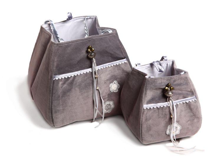 little storage bags /opbergtasjes #fabs world #storagebag # 2 size #silvergrey #opbergtasje #decoratie #velours #inspirations #nursery #babyroom shop:FabsStore.com