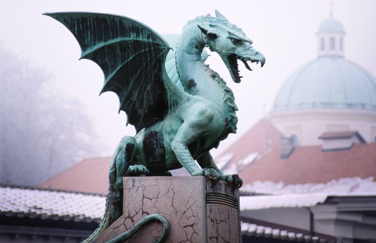 Dragon en slov nie monuments sculptures statues - Images de dragons ...