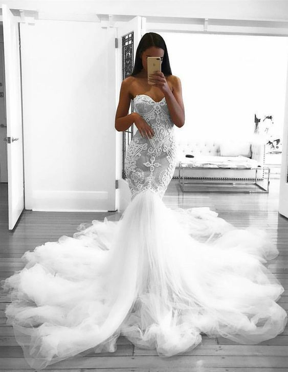 Mermaid sweetheart backless court train wedding dress with applique