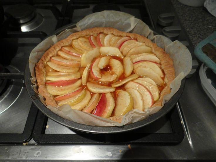 Crostata di mele: http://alincucina.blogspot.it/2015/10/giornata-delle-mele.html