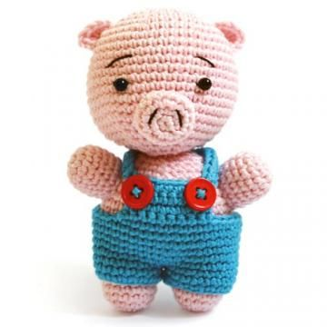 Reco the Pig amigurumi crochet pattern by airali handmade