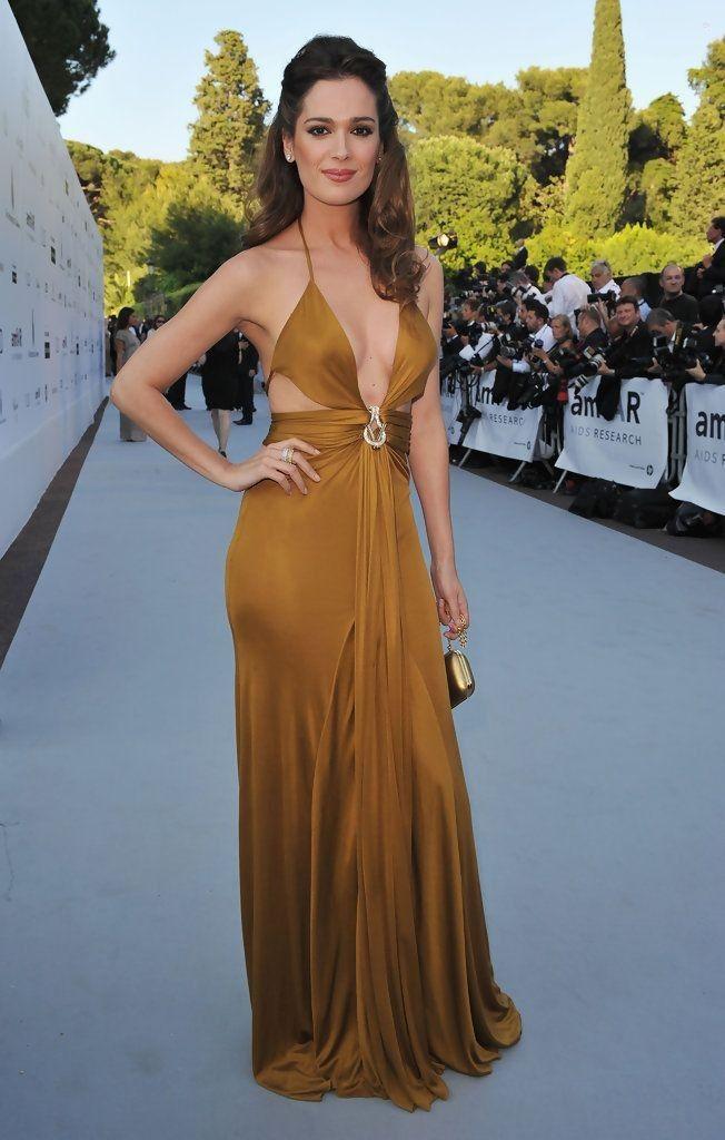 Mar Saura..... - Celebrity Fashion Trends