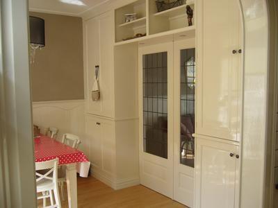 nog steeds heel blij met onze suite-deuren, ook al is hebben we een kleine woonkamer.
