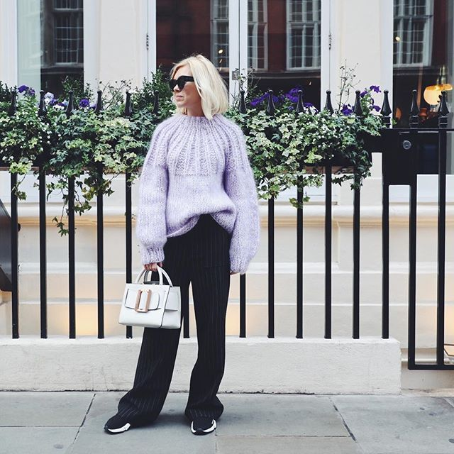 Fashion director @josephineaarkrogh out and about i London  #tapfordetails #lfw #modeuge  via ELLE DENMARK MAGAZINE OFFICIAL INSTAGRAM - Fashion Campaigns  Haute Couture  Advertising  Editorial Photography  Magazine Cover Designs  Supermodels  Runway Models