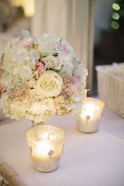 white + pink flowers | Leslie Hollingsworth
