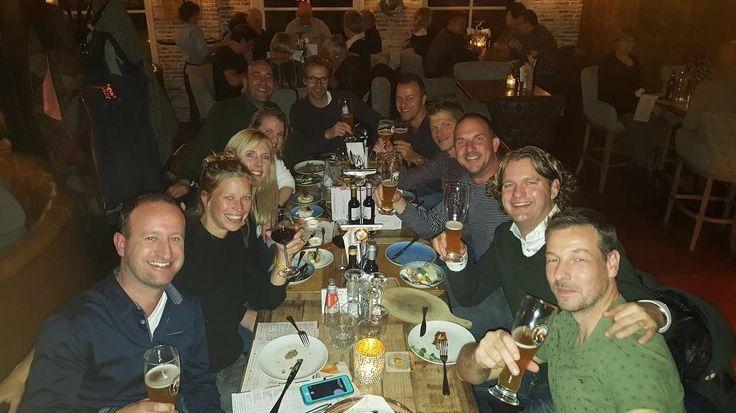 Wat een topavond gister bij @hetpostkantoorheerenveen! Onder het genot van een hapje en een drankje heerlijk herinneringen opgehaald met oud-klasgenoten van het VWO. En als vanouds heel veel . Bijzonder om na 20 jaar te ervaren dat diezelfde klik er nog steeds is.