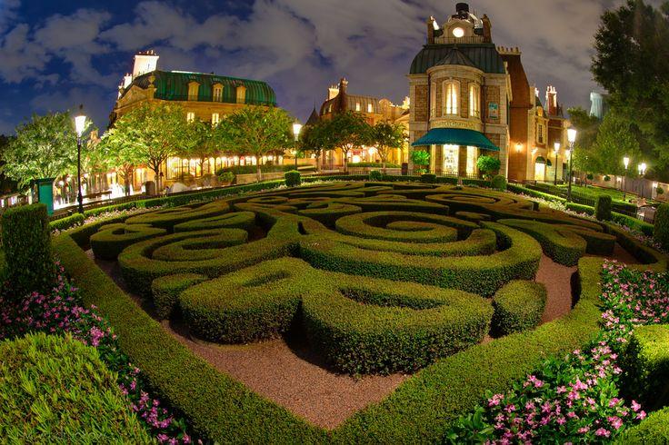France Pavillion - Hedge Maze by Jamian   Disney ...