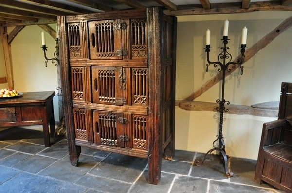 A MAGNIFICENT AND IMPRESSIVE MID 15TH CENTURY ENGLISH OAK GREAT HALL CUPBOARD.