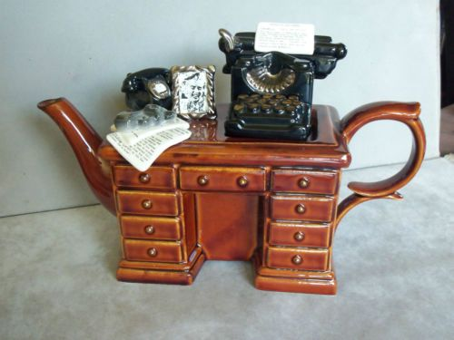 Paul-Cardew-large-Desk-And-Typewriter-Collectable-Teapot-VGC