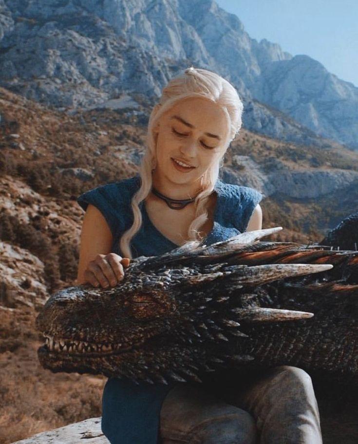 фото мать драконов из игры белыми мелкими