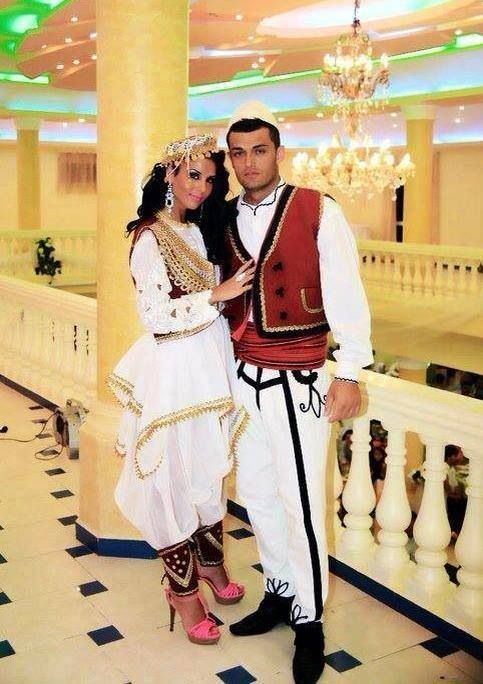 albanian culture Albania is bordered to the north by the yugoslav republic of montenegro, which has an approximate 10 percent albanian minority living in regions along the albanian-montenegrin border the montenegrin towns of ulcinj, tuz, plava, and gucinj were traditionally and are still inhabited by albanians.