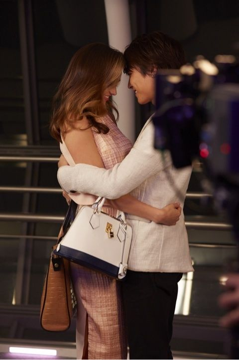 OMG, Takahiro (EXILE) and Miranda Kerr look so good together. Look at that chemistry and it doesn't hurt that their matching dimples are so adorable... :)