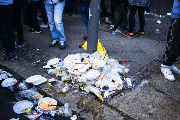 Love, Beats und Gefahr – Fotos vom 1. Mai in Berlin