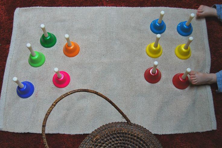 Merci qui ? MERCI MONTESSORI !: Les clochettes musicales... en couleurs !