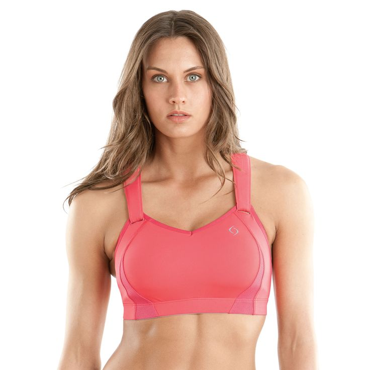 Products I love: Juno sports bra | Moving Comfort. Best sports bra EVER-no breast movement at ALL, even for larger women! I love that it has no underwire and straps everything in tight! Straps can also be undone from the front which is cool. Possibly a bit warm for summer but it's awesome in winter.